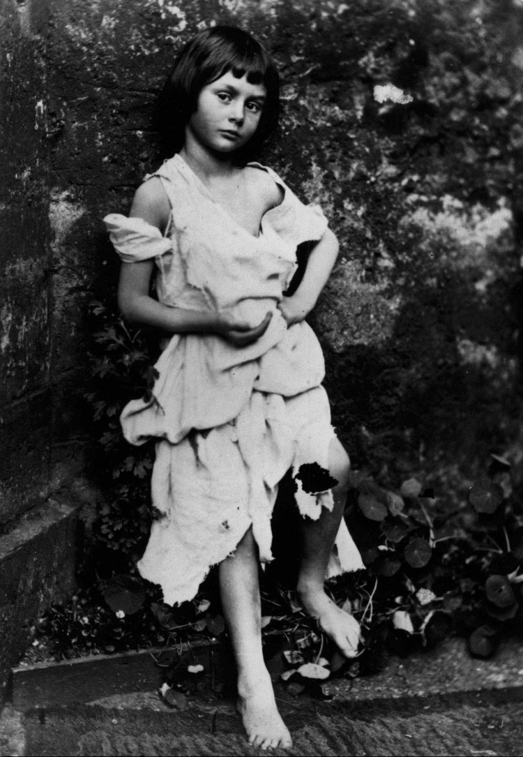Alice_Liddel_-_Beggar_Girl